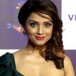 Adaa_Khan_attends_10th-anniversary_bash_of_Viacom_18_Motion_Pictures_(18)_(cropped)