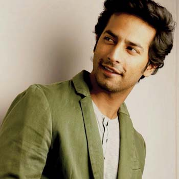 Sehban-Azim-Akshay-Real-Name-Biography-Age-Date-of-Birth-Girlfriend-Height-Details